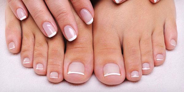 Fungo di piede di gambe di unghie di gambe